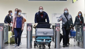 Ужесточение требований МАУ относительно масок на борту самолетов