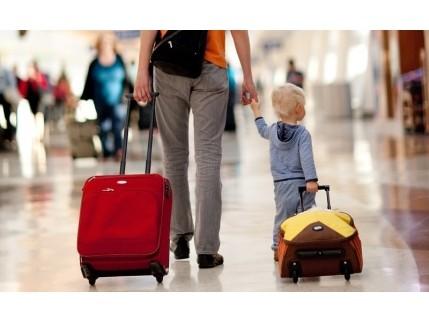 Выезд ребёнка за границу: инфографика